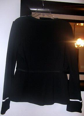 POINTE JACKET/top. SIZE MEDIUM. NEW IN PACKAGE